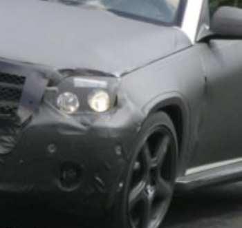 Illustration for article titled Spy Photos: Still More on the 2009 Mercedes GLK Mini Ute
