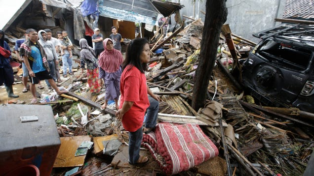 Indonesia Tsunami Death Toll Almost Doubles, Rises to More Than 420