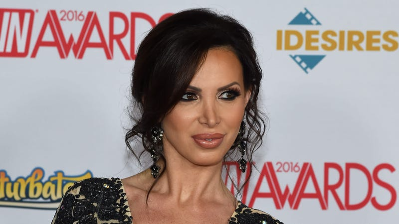 Illustration for article titled Porn Actress Nikki Benz Sues MindGeek, Brazzers, Co-Stars for Sexual Battery, Gender Violence