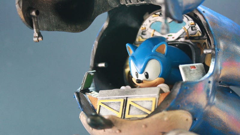Illustration for article titled Giant Mecha Sonic Will Destroy Tokyo in Search of Giant Golden Rings