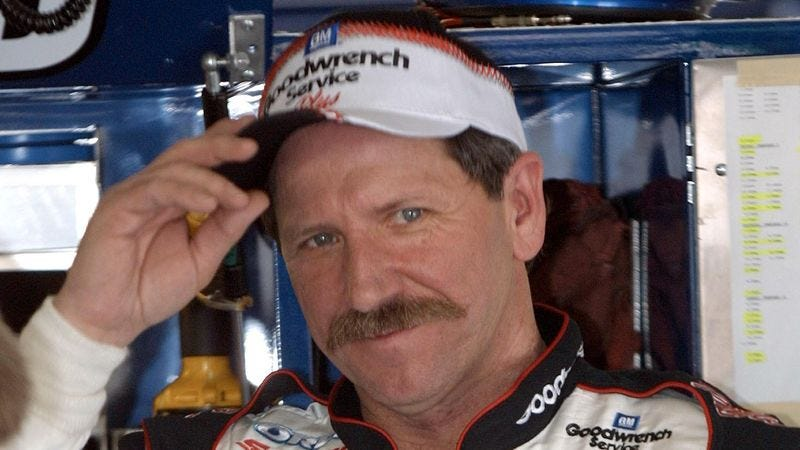 Illustration for article titled 11 Simple Rhymes To Help You Remember How Dale Earnhardt Died