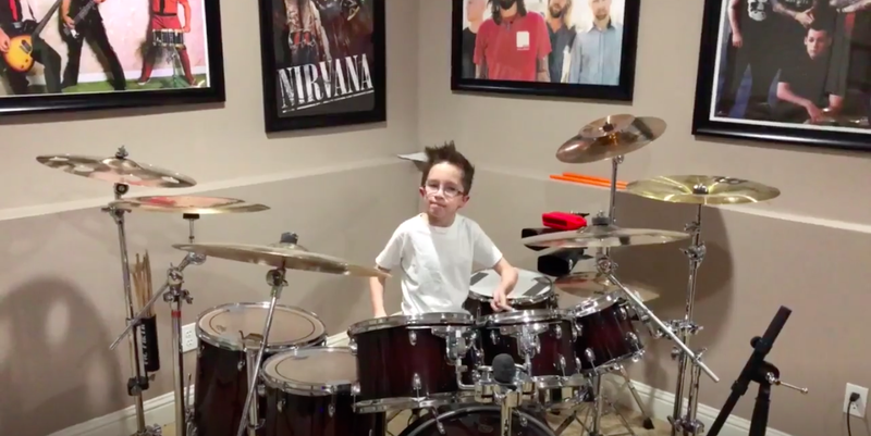Illustration for article titled This 10-year-old owns this drum cover of a Paramore song