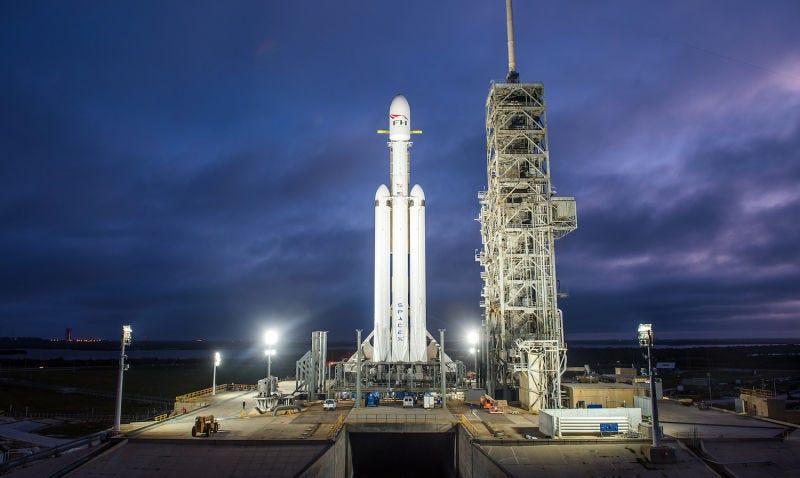 Llançament del coet Falcon Heavy