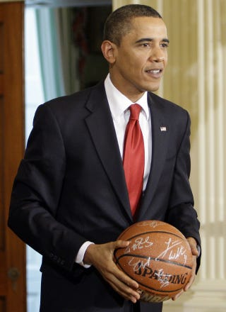 Illustration for article titled President Obama Moonlights As Coach For Daughter's Team