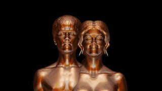 Illustration for article titled Nude Justin Bieber & Selena Gomez Immortalized In Bronze Statue