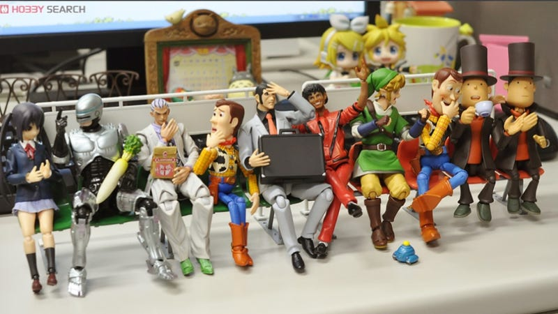 Creepy Japanese Toy : Creepy woody angry link and friends make plastic benches fun
