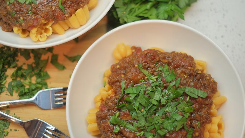 You Won't Miss a Meat in This Rich, Oven-Roasted Vegan Ragú