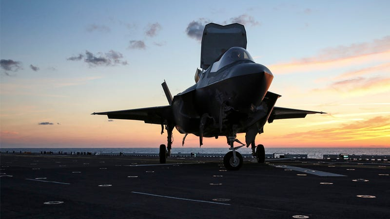 Illustration for article titled F-35B Passes Shipboard Night Flying Phase During Operational Trials