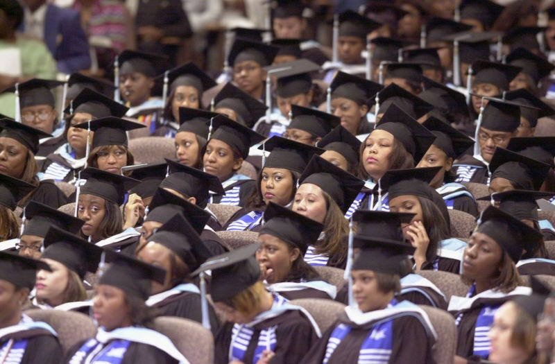 Spelman College graduates on May 19, 2002 (Erik S. Lesser/Getty Images)