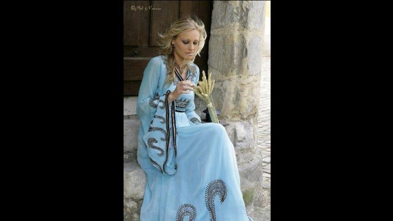 Illustration for article titled Fashion Scavenger Hunt: Help Find This Wedding Caftan