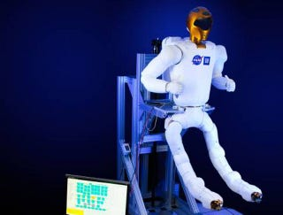Illustration for article titled These new legs will help Robonaut climb outside the space station