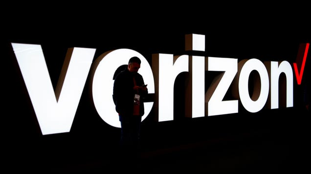 Verizon Nixes Yearly TV and Internet Contracts in Attempt to Stop the Bleeding