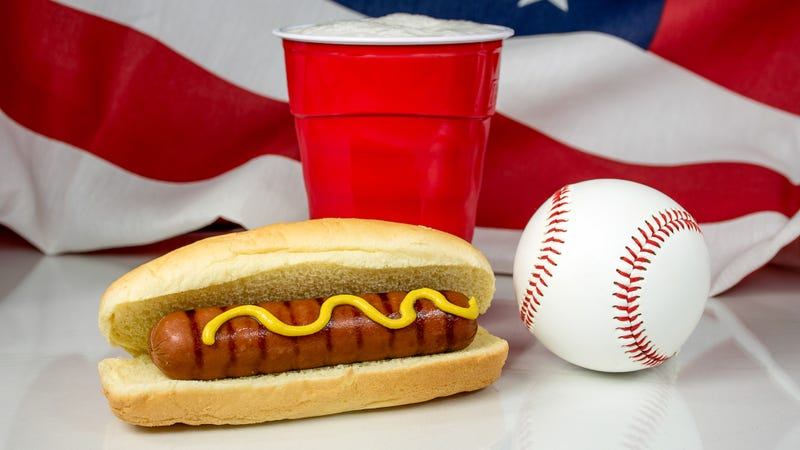 Illustration for article titled Last Call: Pledge allegiance to the United States of ballpark hot dogs