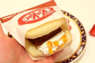 Illustration for article titled Kit-Kat Sandwiches! Japan Has Kit-Kat Sandwiches.