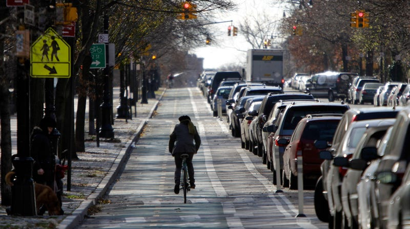 Illustration for article titled Here's Why New York City's First Protected Bike Lane Was Such a Big Deal