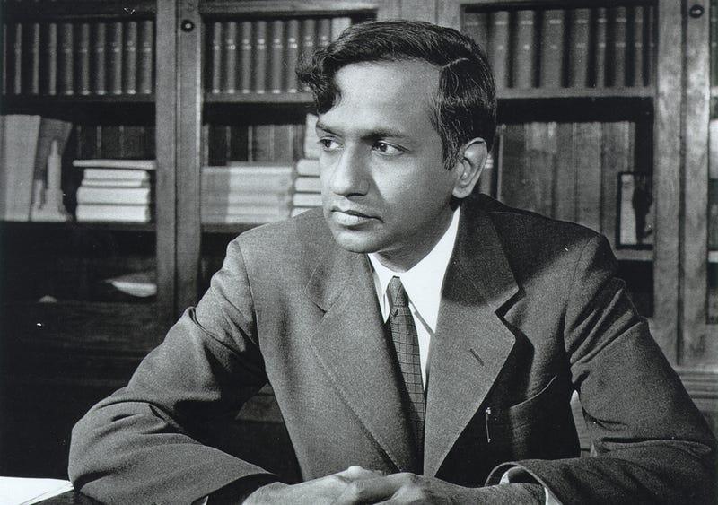 Subrahmanyan Chandrasekhar en su despacho de la Universidad de Chicago: Foto: Universidad de Chicago