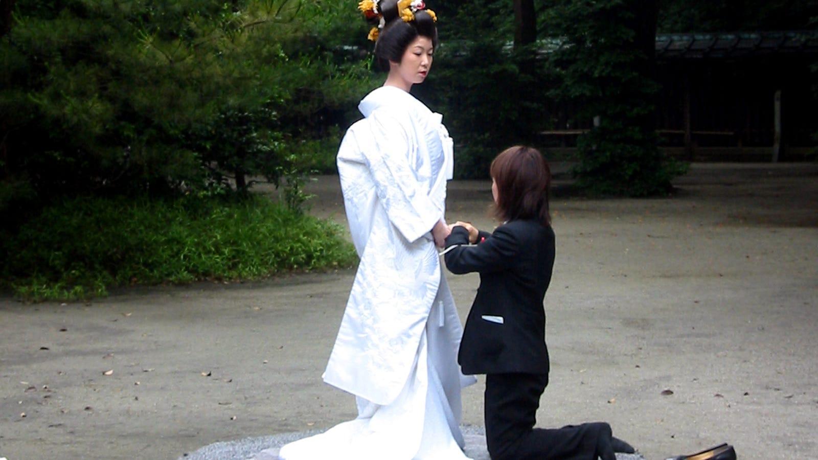 Japanese Hotel, Temple Offer Same-Sex Wedding Ceremonies-5479