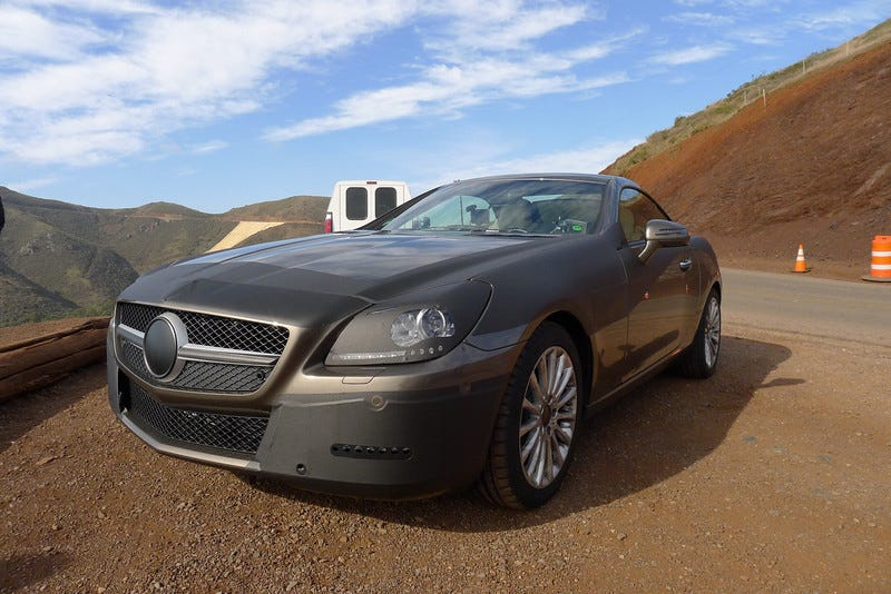 Illustration for article titled 2012 Mercedes SLK Takes In The California Air