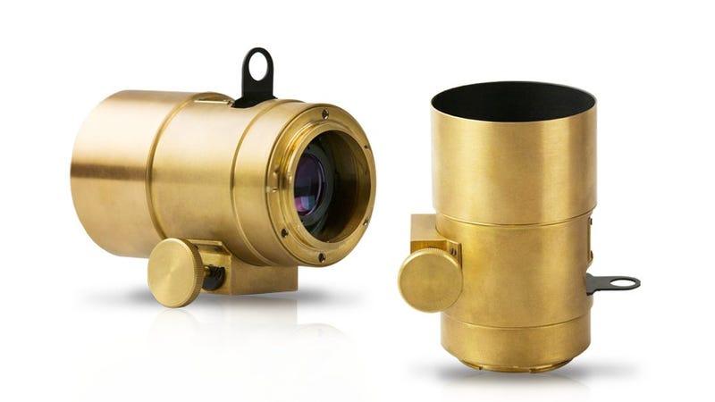 Illustration for article titled Equipa tu cámara con este espectacular objetivo del siglo XIX