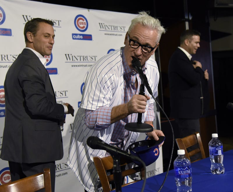 Illustration for article titled Joe Maddon Ordered A Round Of Drinks At His Cubs Press Conference