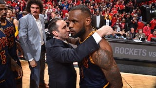 Illustration for article titled LeBron James Had To Stop David Blatt From Preventing His Game-Winner