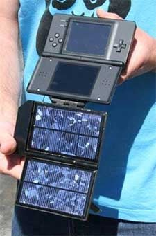 Illustration for article titled Who Loves the Sun: The Solar-Powered DS Lite