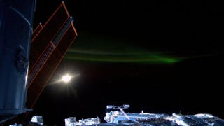 Illustration for article titled The Northern Lights Are Even Better Seen From The ISS