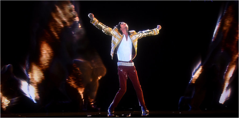 Illustration for article titled Reviven a Michael Jackson en directo a través de un holograma