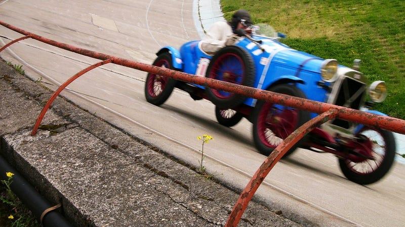 Illustration for article titled Vintage cars descend upon 115-year-old Velodrome