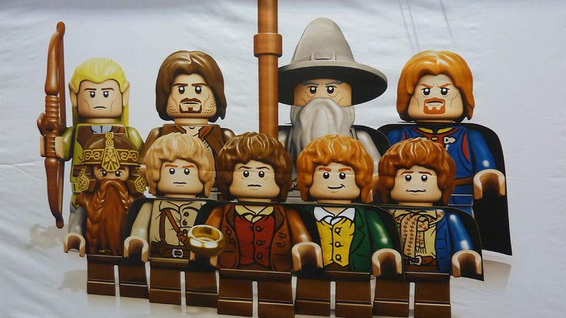 Illustration for article titled Your First Good Look at the LEGO Lord of the Rings Minifigs