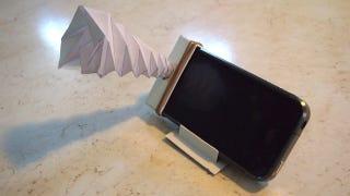 Illustration for article titled Make Your Own Pocket-Sized Smartphone Amplifier