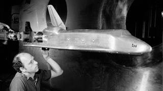 Illustration for article titled Dramatic Vintage Photos Of Wind Tunnel Tests