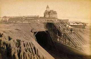 Illustration for article titled The Train Tunnel in This 1898 Film Is Now Part of Pacific Coast Highway
