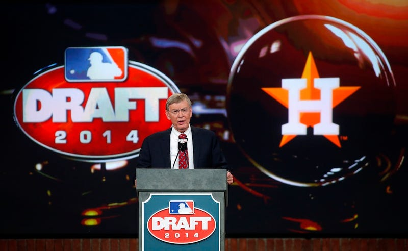 Illustration for article titled The Astros Are Trying To Dick Draft Picks Out Of Their Money
