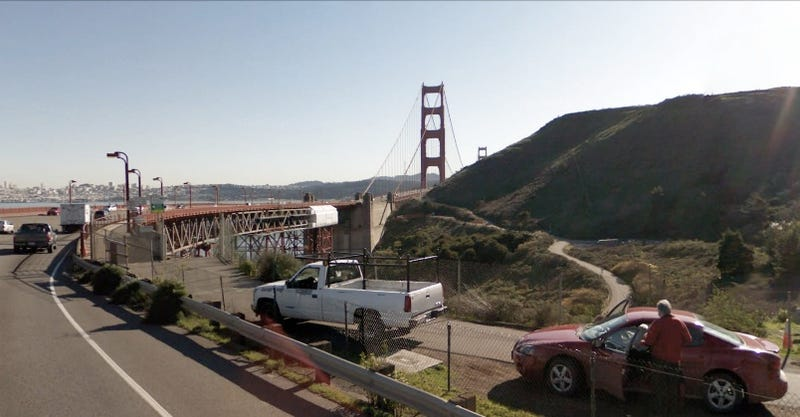 Illustration for article titled Google Street View Time-Lapse Video Of Driving On Golden Gate Bridge