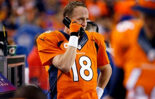 Illustration for article titled Peyton Manning Has Had It With The Broncos' Scoreboard Operator