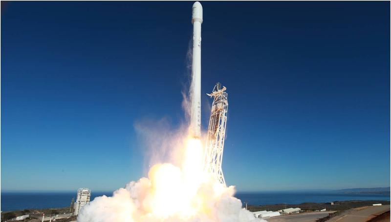 Illustration for article titled Sigue el nuevo intento de aterrizaje del Falcon 9 sobre una barcaza
