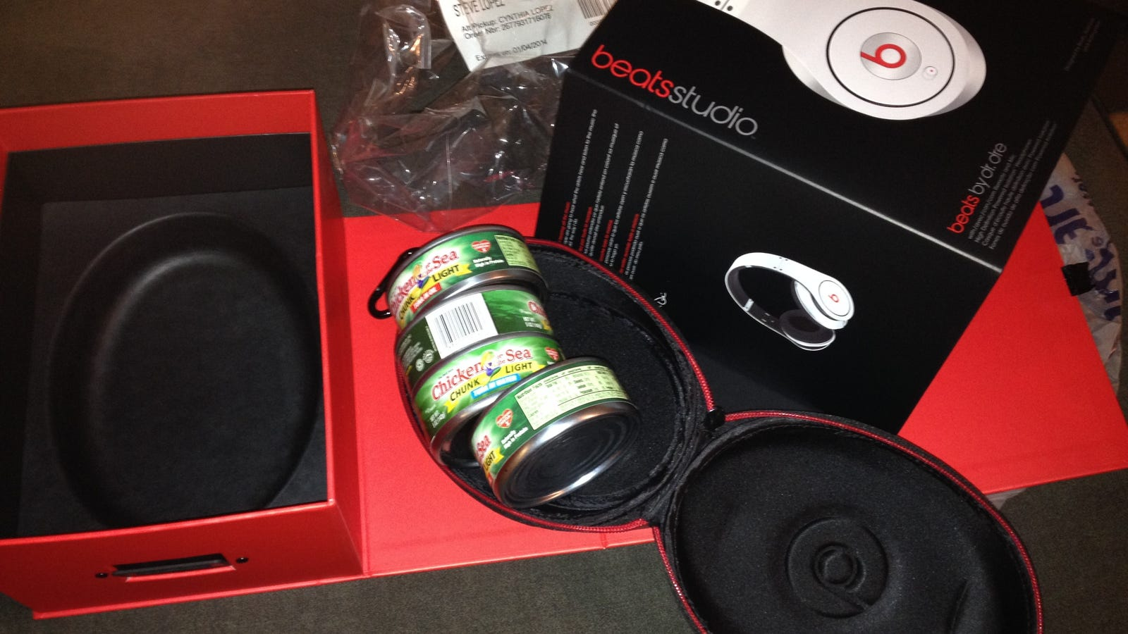 retractable earbuds iphone - Family Opens Beats Headphones on Christmas, Finds Tuna Instead