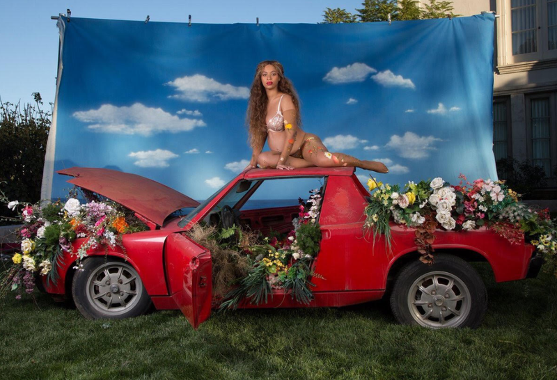 Illustration for article titled Beyoncé Chose A Porsche 914 For That Famous Pregnancy Photo