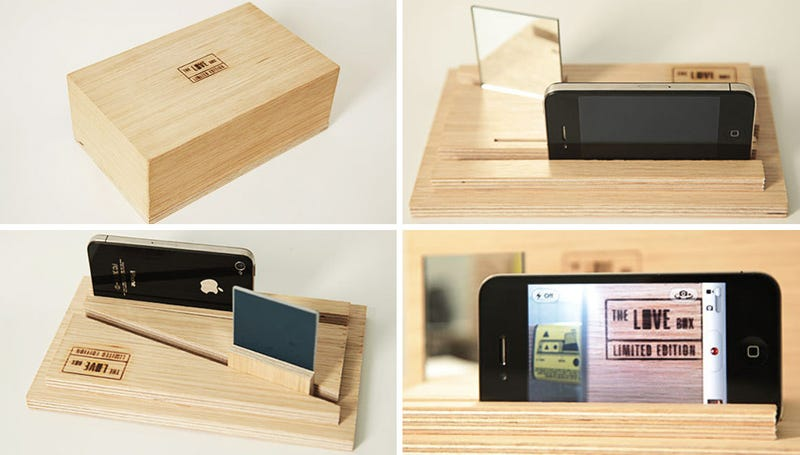 Illustration for article titled This Simple Wood Contraption Lets the iPhone 4 Film Both Sides of a Story