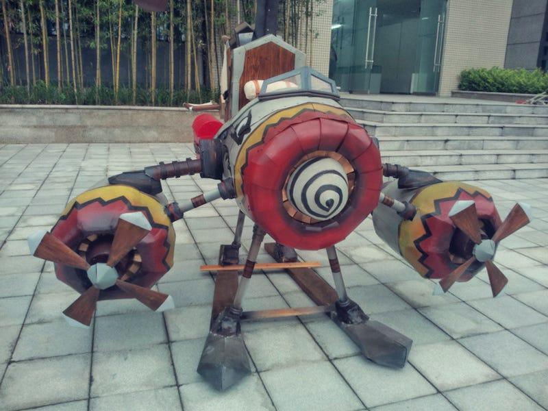 Illustration for article titled World of Warcraft Super Fan Re-creates Goblin Copter
