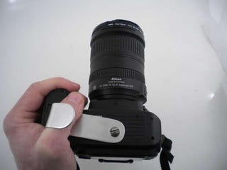 Illustration for article titled Build a dSLR Attachment for Taking Pictures Left-Handed