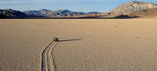 "Illustration for article titled The Mystery of Death Valley's ""Sailing Stones"" Is Finally Solved"