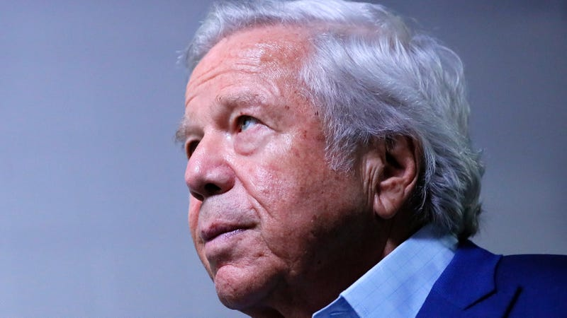 "Illustration for article titled Everyone Fell For Robert Kraft's ""Apology"""
