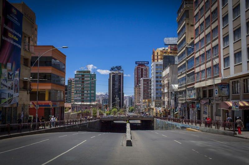 Illustration for article titled Szellemvárossá lett Bolívia fővárosa az elnökválasztás alatt