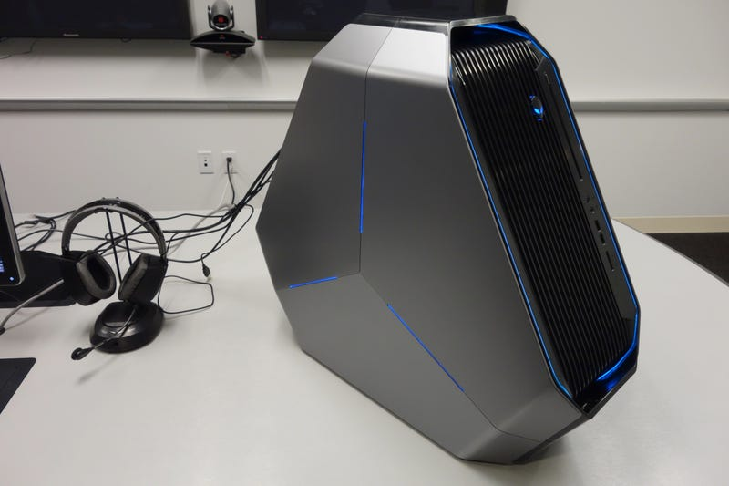 Illustration for article titled The New Alienware Area-51 Is the Weirdest Gaming PC I've Ever Seen