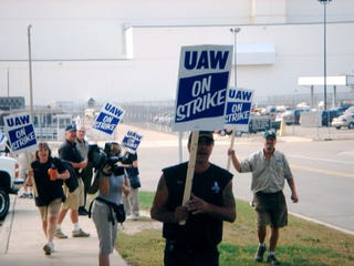 Illustration for article titled How Long Will The UAW Strike Last?
