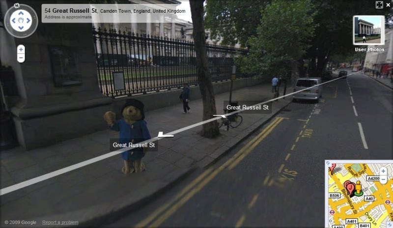 Illustration for article titled Paddington Bear Waves to Google Street View Cameras