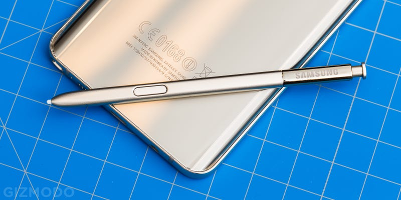 Illustration for article titled This Is How the S-Pen Can Break Your Brand New Note 5 [Update]