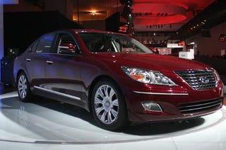 Illustration for article titled Detroit Auto Show: Hyundai Reveals Genesis Sedan, Disrupts Industry